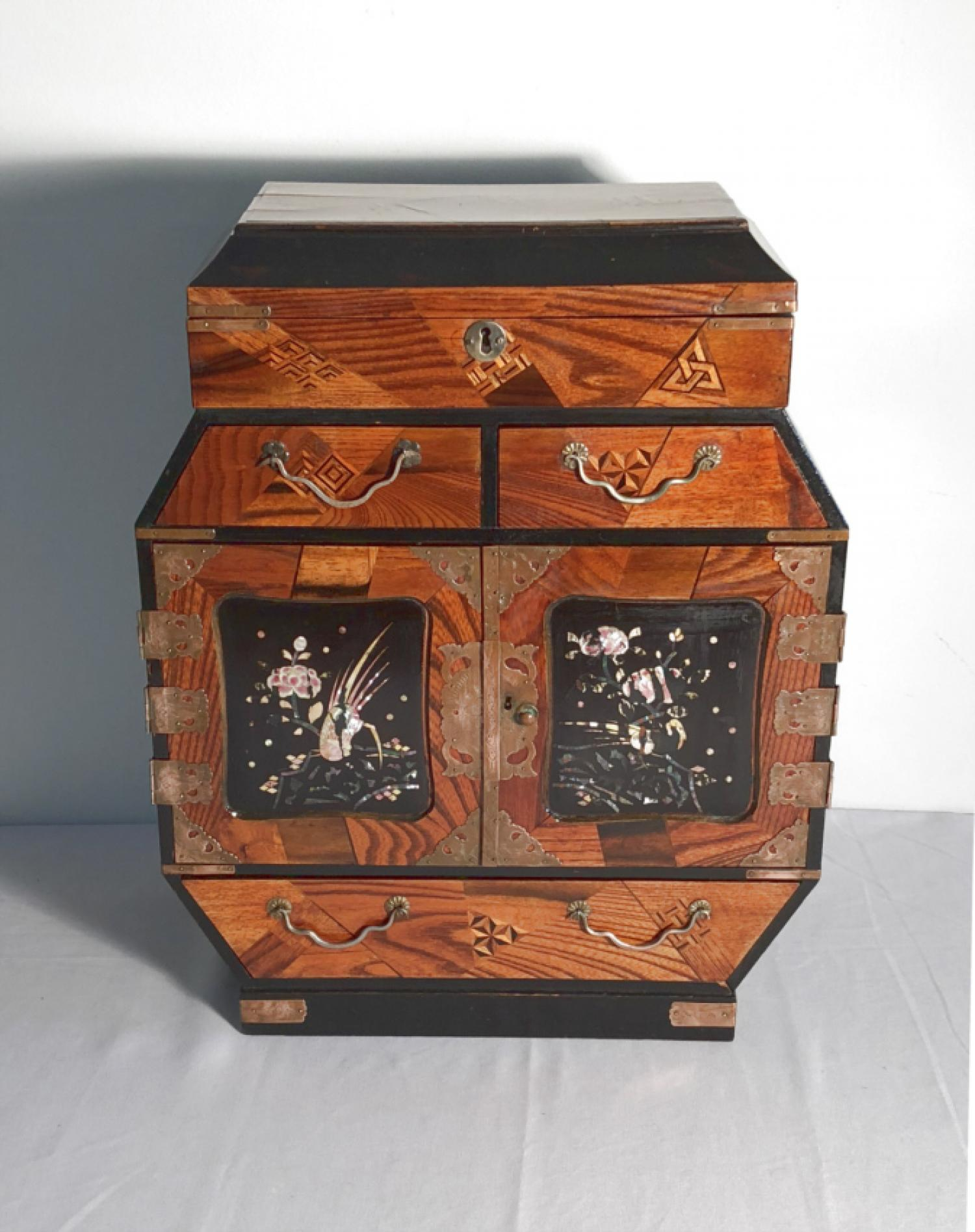 Japanese parquetry jewelry or valuables box