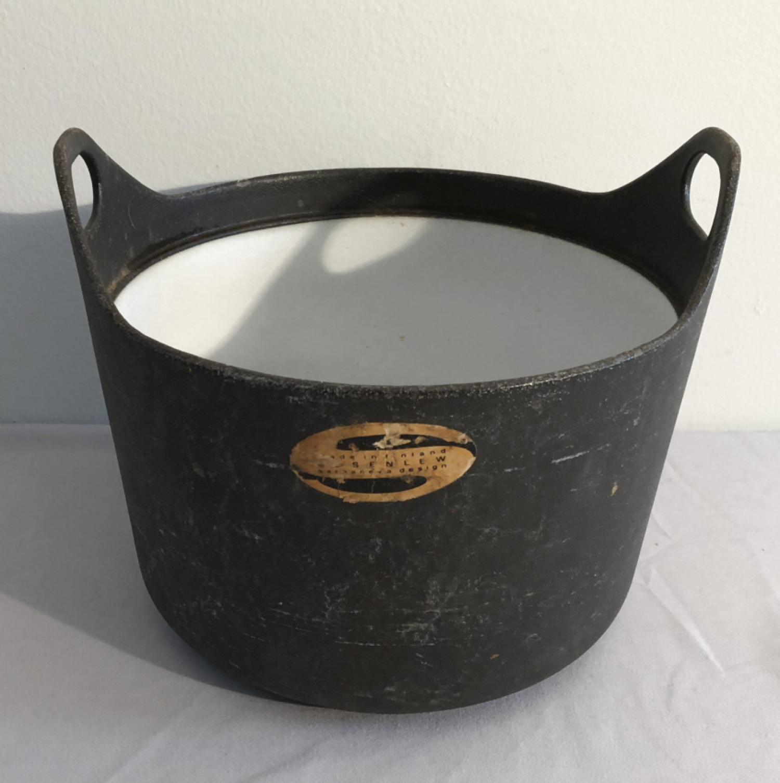 Rosenlew Finland black enamel cast iron casserole pot
