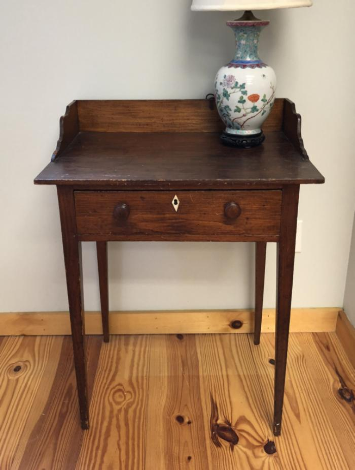 Early American pine one drawer stand c1810