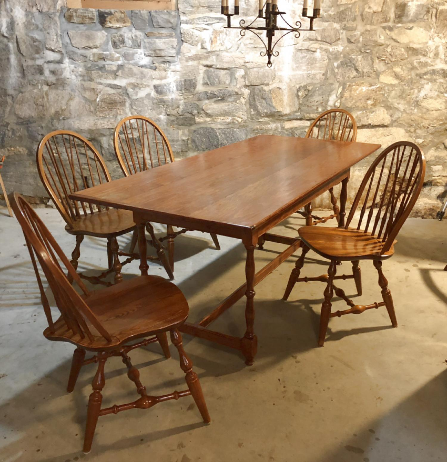 D R Dimes Salisbury harvest dining table
