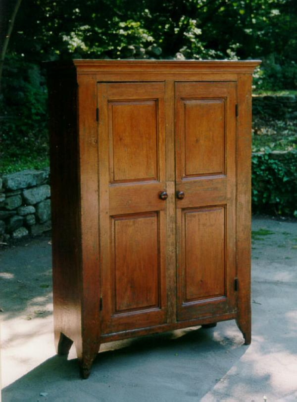 Price my item value of early furniture american pine for Furniture valuation guides