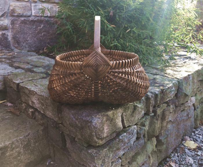 Vintage hickory splint buttocks market basket