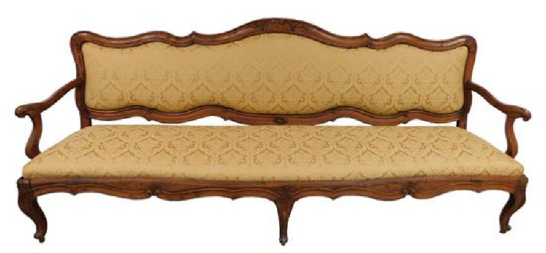 Italian walnut canape sofa c1750