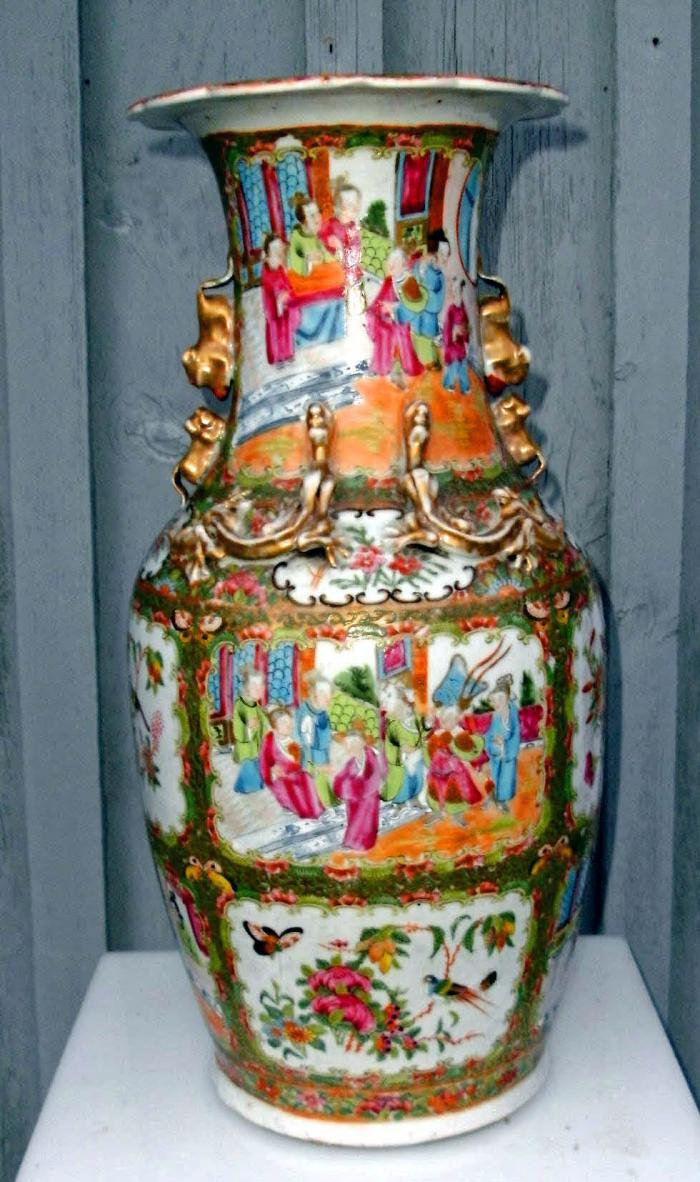 Chinese Rose Medallion Tall Vase with Scalloped Rim