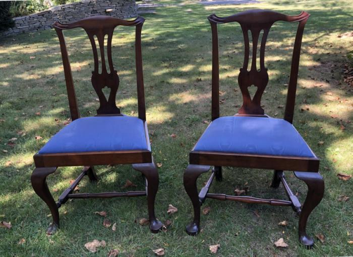 Pair Queen Anne style mahogany chairs c1875