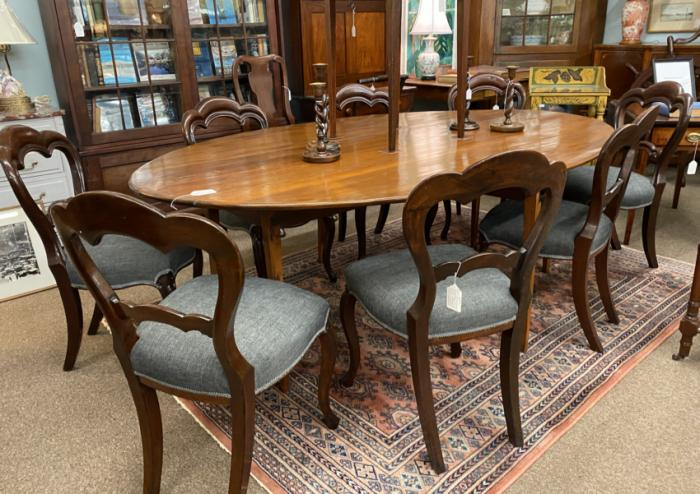 Set of 8 balloon back walnut dining chairs c1865