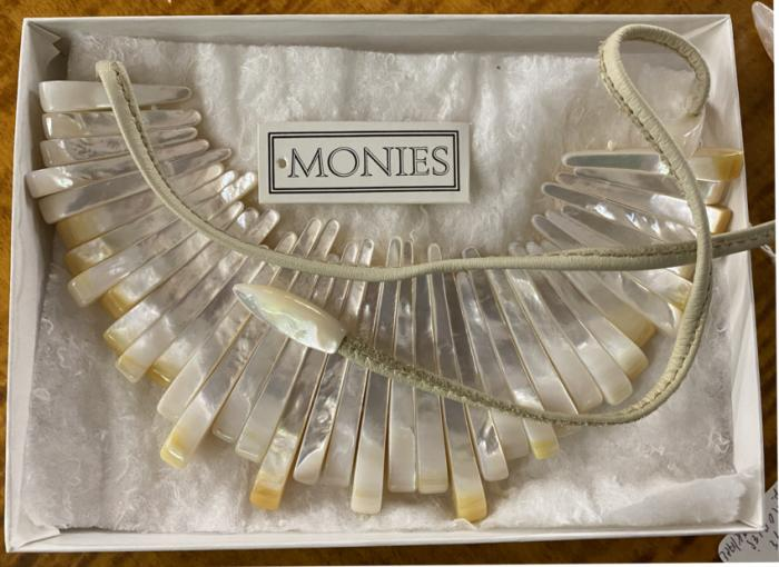 Vintage Monies shell necklace
