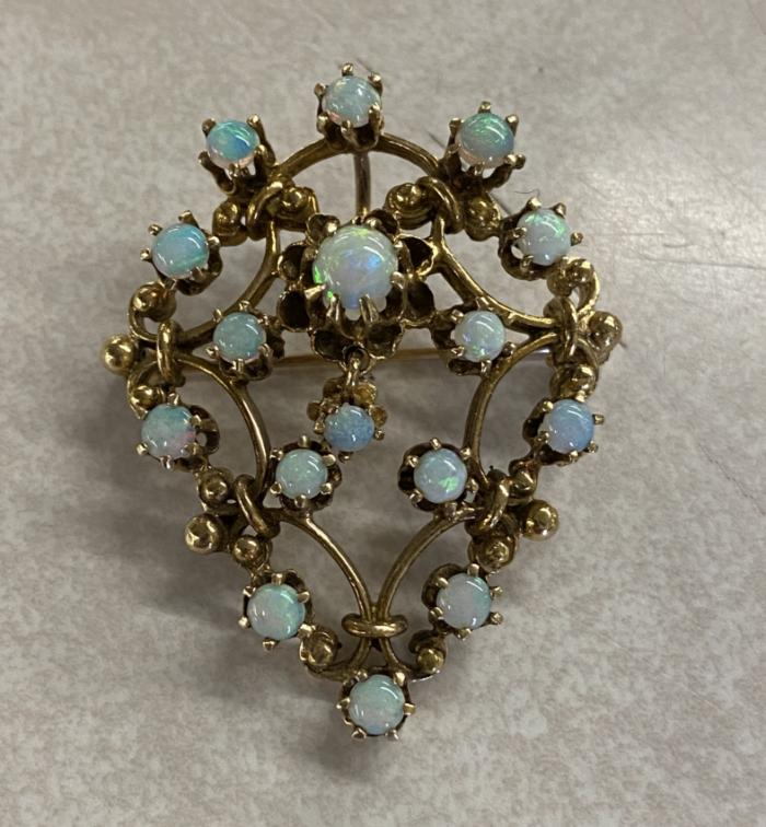18k yellow gold and opal booch c1900