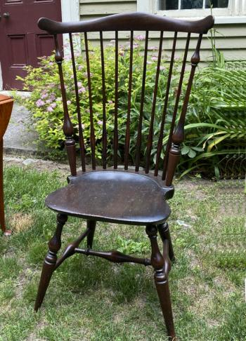 Image of Wallace Nutting comb back Windsor arm chair c1920