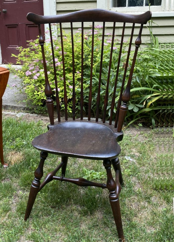 Wallace Nutting comb back Windsor arm chair c1920
