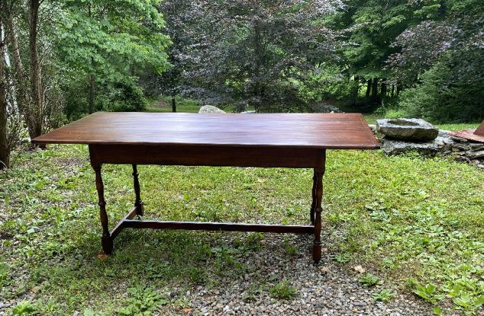 D R Dimes pine Salisbury harvest table