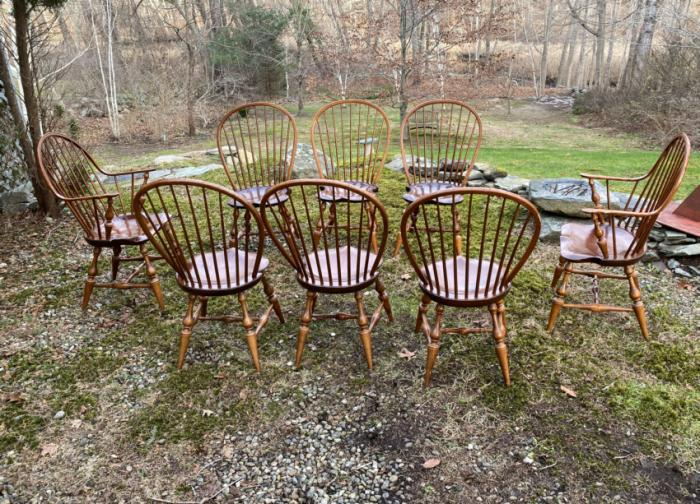 D R Dimes 8 bow back Windsor chairs