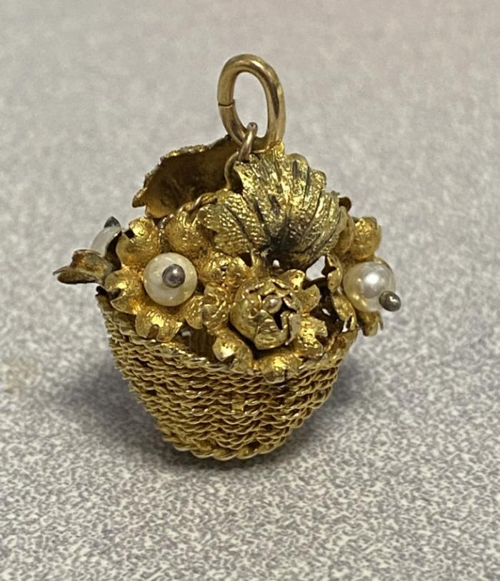 18k gold flower basket charm