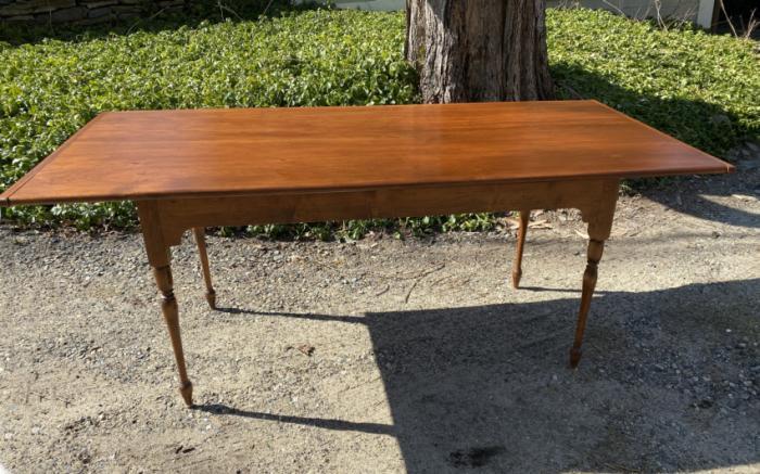 D R Dimes pine dining table for Old Sturbridge Village