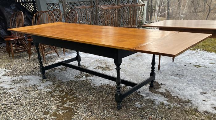 Lawrence Crouse tiger maple harvest table with two leaves