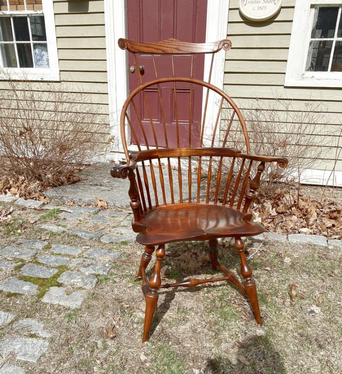 D R Dimes Windsor arm chair with comb back