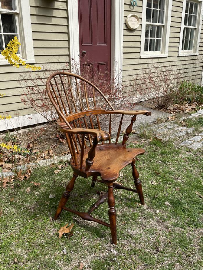 Vintage Yale University Windsor arm chair