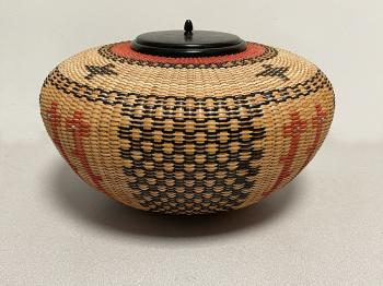 Image of Native American Corn Circle basket by Joan Brink 2002