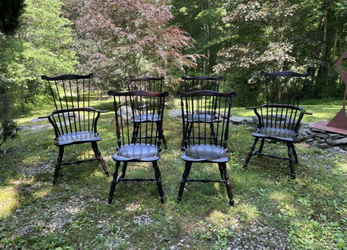 Set of 6 D R Dimes crackle black Windsor chairs