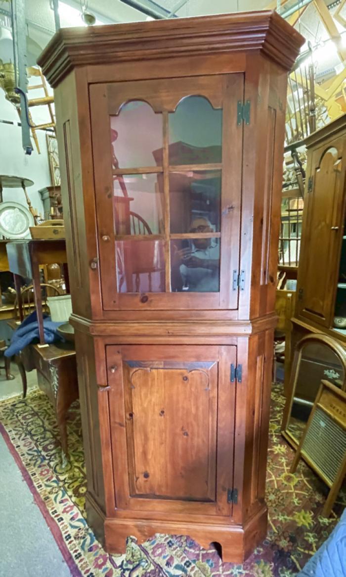 Stephen von Hohen pine corner cupboard