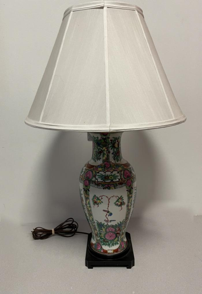 Chinese export Rose Medallion lamp c1900