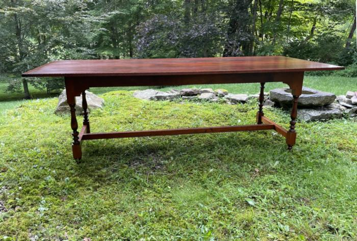 D R Dimes maple dining table with stretcher base