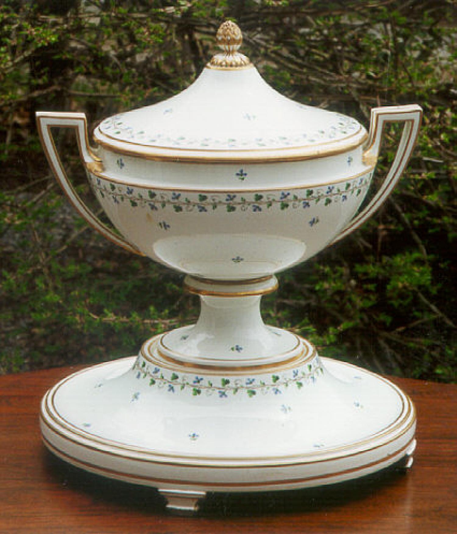 Royal Vienna Porcelain Pedestal Tureen c1812
