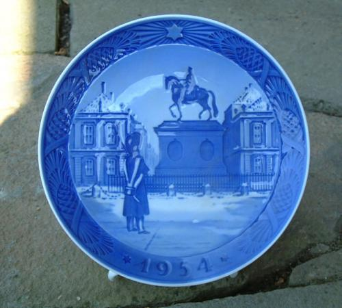 Royal Copenhagen Christmas Plate dated 1954