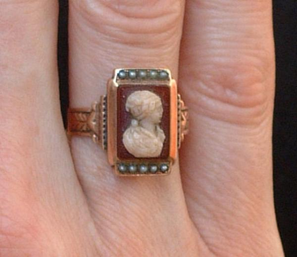 Price my item value of antique 14 karat rose gold cameo ring for Antique jewelry worth money