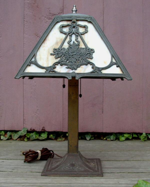 price my item value of vintage transitional victorian slag glass lamp. Black Bedroom Furniture Sets. Home Design Ideas