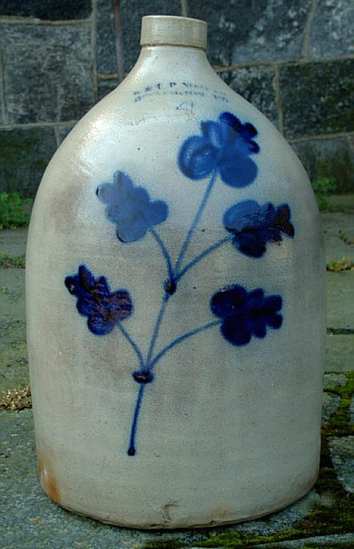 E and L P Norton Stoneware cobalt blue leaves 4 gal