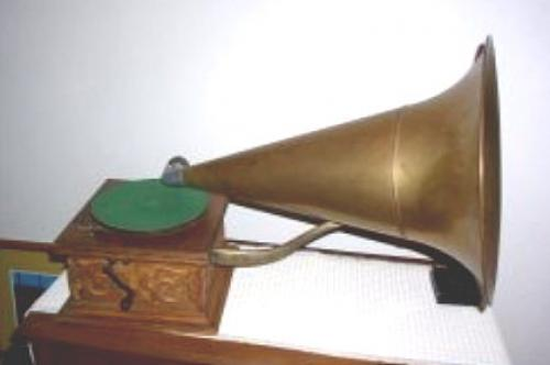Antique Victorian Talk O Phone phonograph