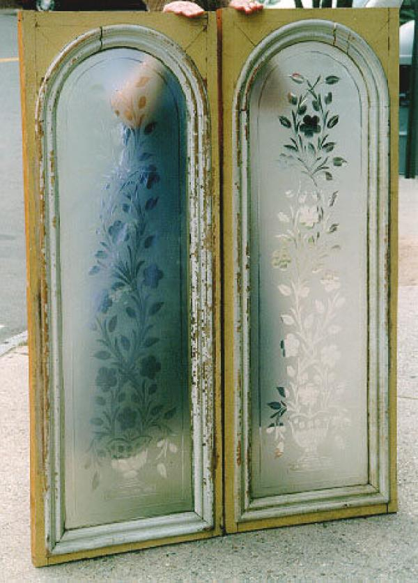 Price my item value of antique pair of etched glass for R value of glass windows