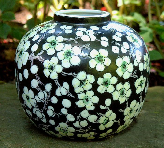 Japanese porcelain hand painted vase