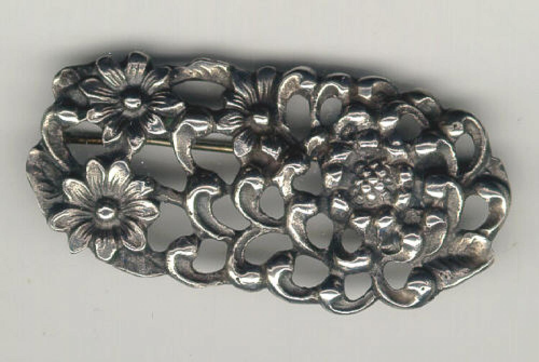 Peruzzi floral brooch in sterling silver c1900