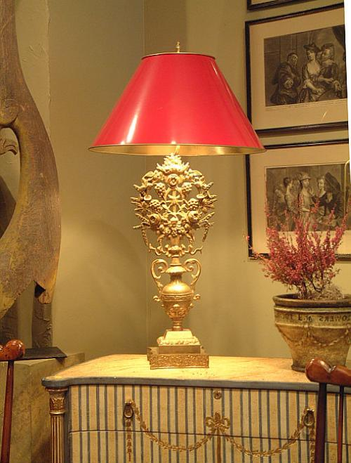 Antique brass decorative flower urn electrified to table lamp