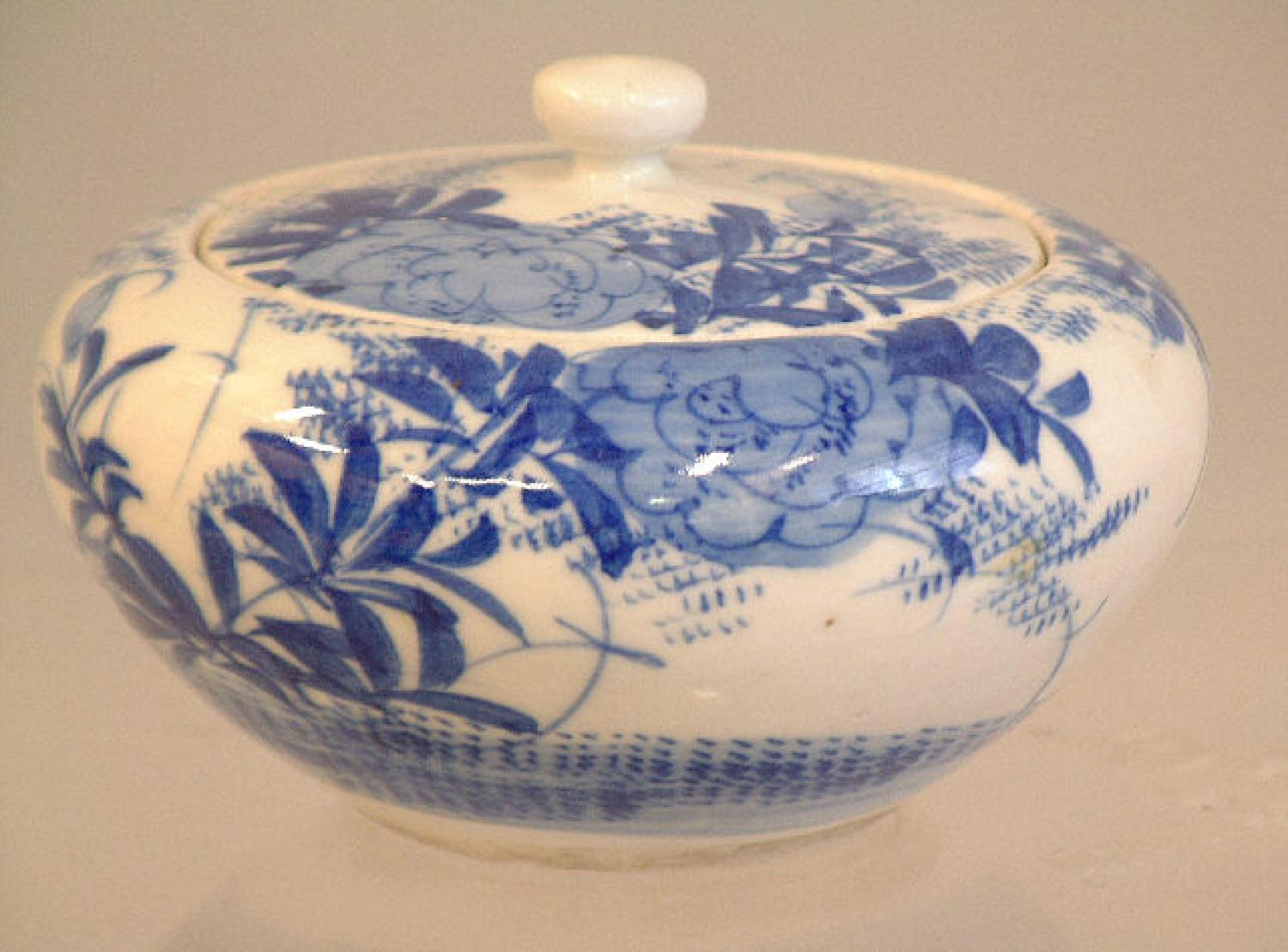 Japanese Arita Ware covered jar c1900