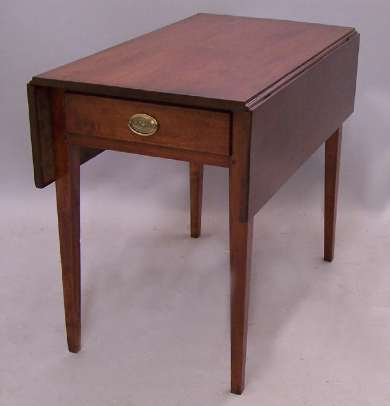 Period American Hepplewhite drop leaf cherry pembroke table c1790