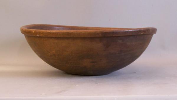 Large Early American Single Stock Pine Dough Bowl C1780