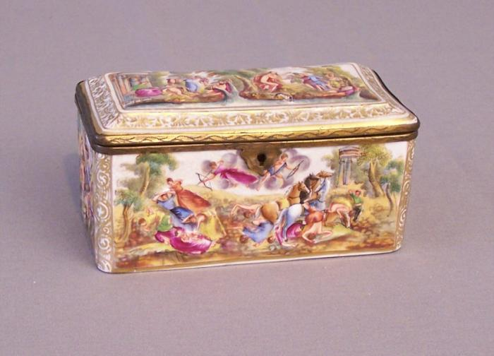 Capo di monte hand painted porcelain hinged box