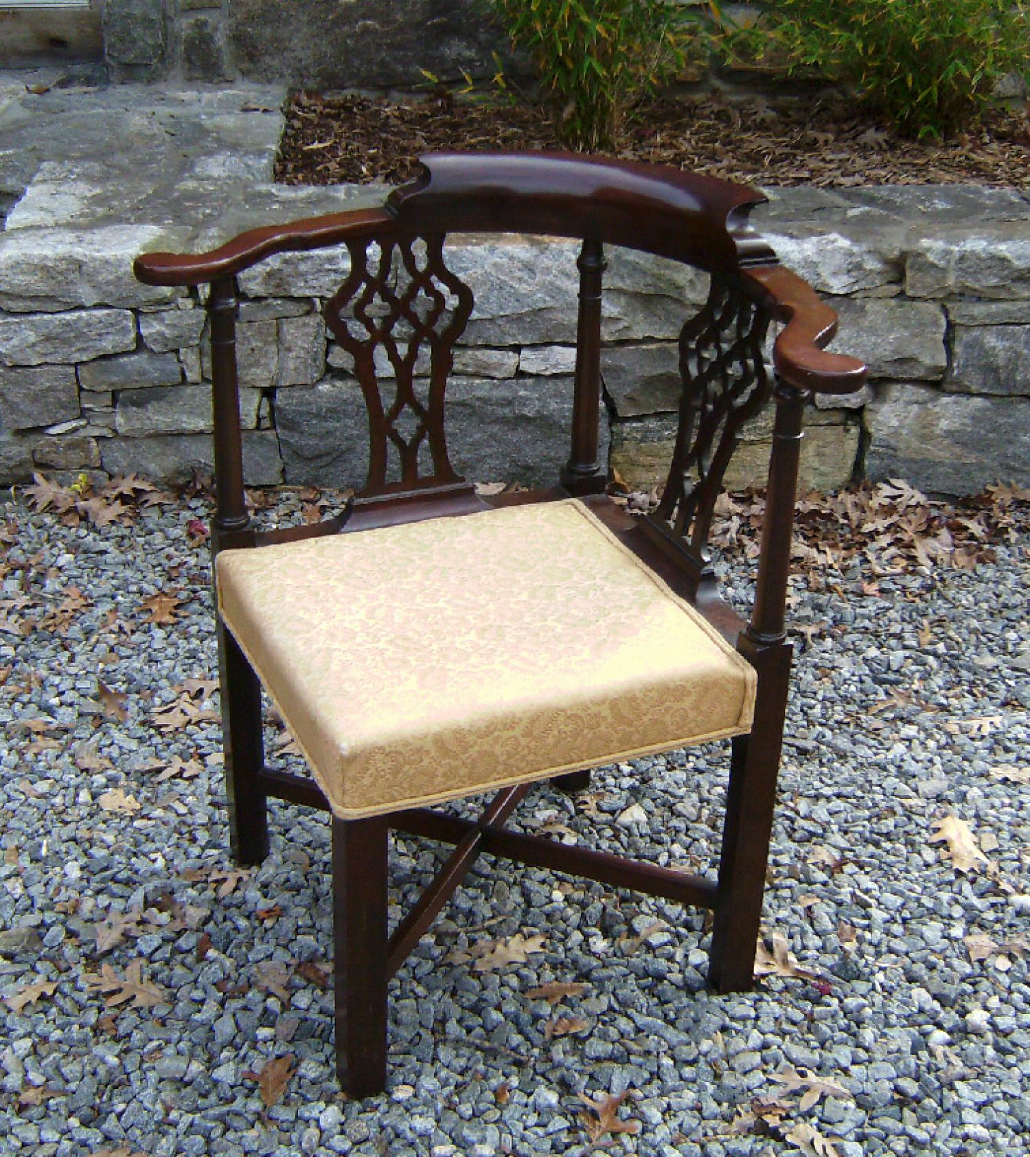 English Georgian mahogany corner chair c1820 to 1840
