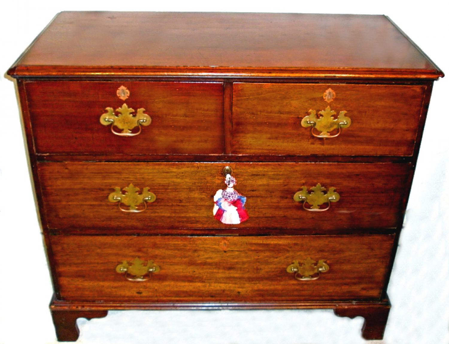 English George III 4 drawer mahogany gentlemans chest c1820