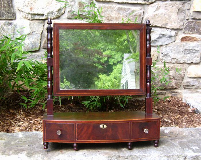 American Sheraton Mahogany dresser mirror with inlay c1825