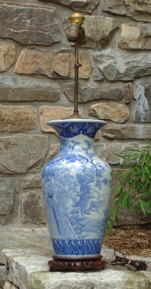 Japanese Arita ware porcelain lamp