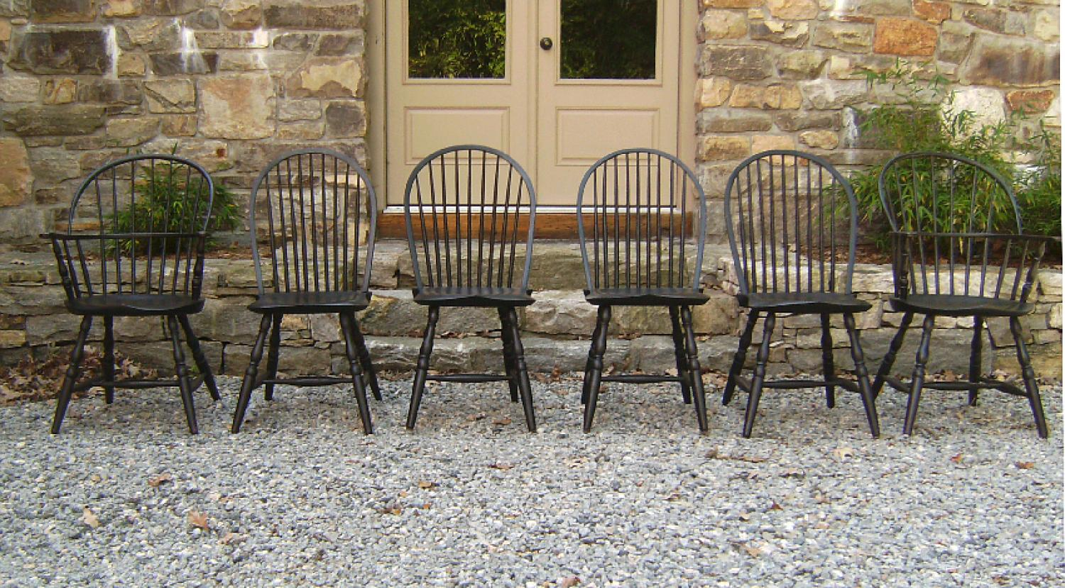 Set American New England bow back Windsor chairs
