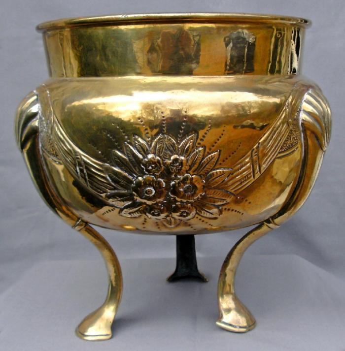English hand hammered brass cachepot c1860