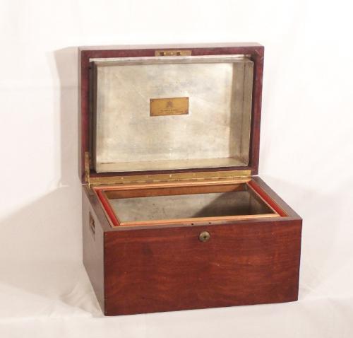 Benson and Hedges Cigar box mahogany Humidor