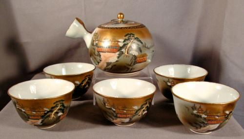 Painted traditional shape lidded Japanese teapot and 5 cups c1910
