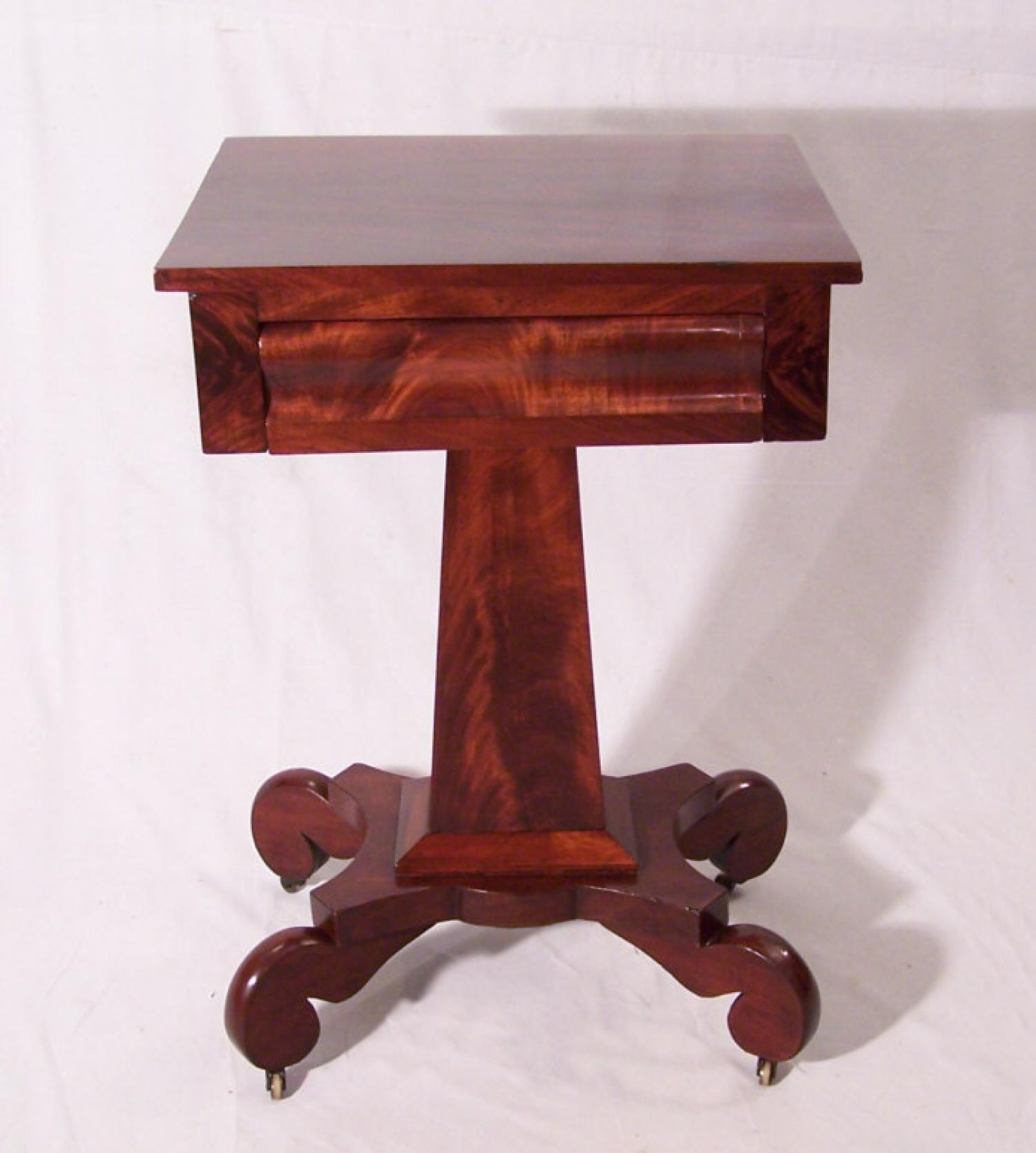 Period American Federal mahogany night Stand c1825