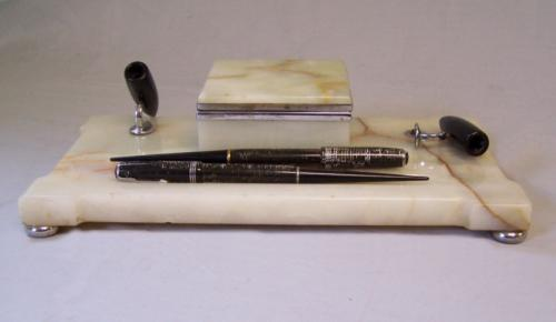 Parker Duofold onyx double fountain pen desk set